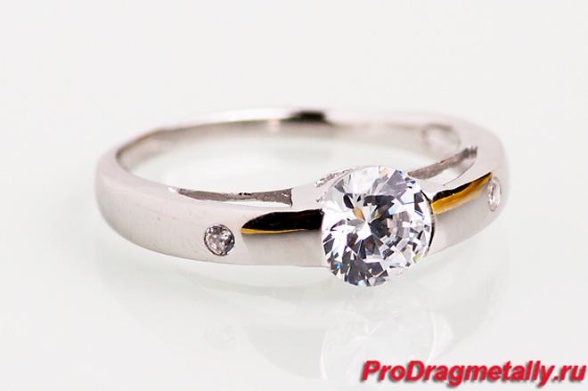 Родированное серебряное кольцо