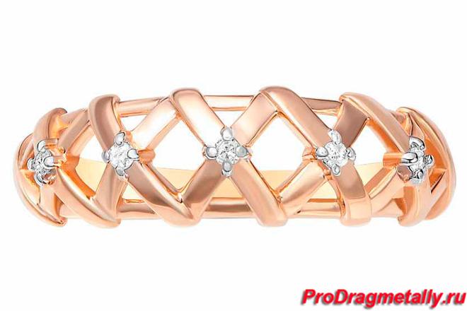 Кольцо в форме косички с бриллиантами из красного золота 375 пробы