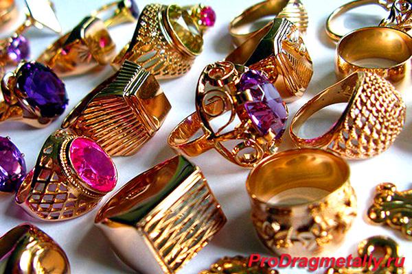 перстни и кольца из золота